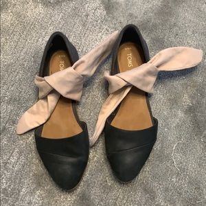 TOMS Leather Flats with Pink Suede Tie